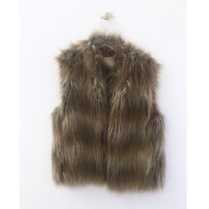 pins & needles / urban outfitters uo faux fur vest